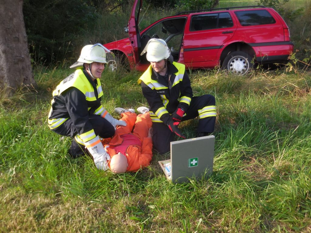 Feuerwehrübung Betreuung Unfallopfer